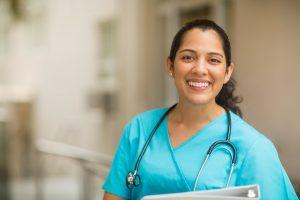 ¿Cuánto gana una enfermera en Estados Unidos?