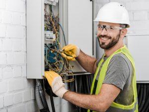 ¿Cuánto gana un electricista en Estados Unidos?