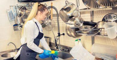 ¿Cuánto gana un lavaplatos en USA?