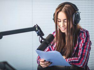 ¿Cuánto gana un locutor de radio en Estados Unidos?
