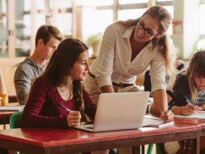 ¿Cuánto gana un maestro en Estados Unidos?